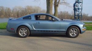 2005-Ford-Mustang-Windveil-Blue